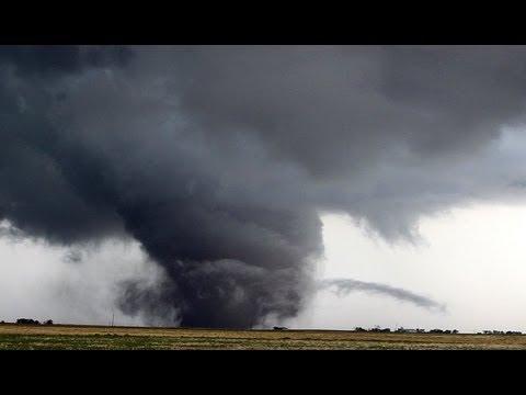 Texas-Tornado-171.jpg - 14814 Bytes