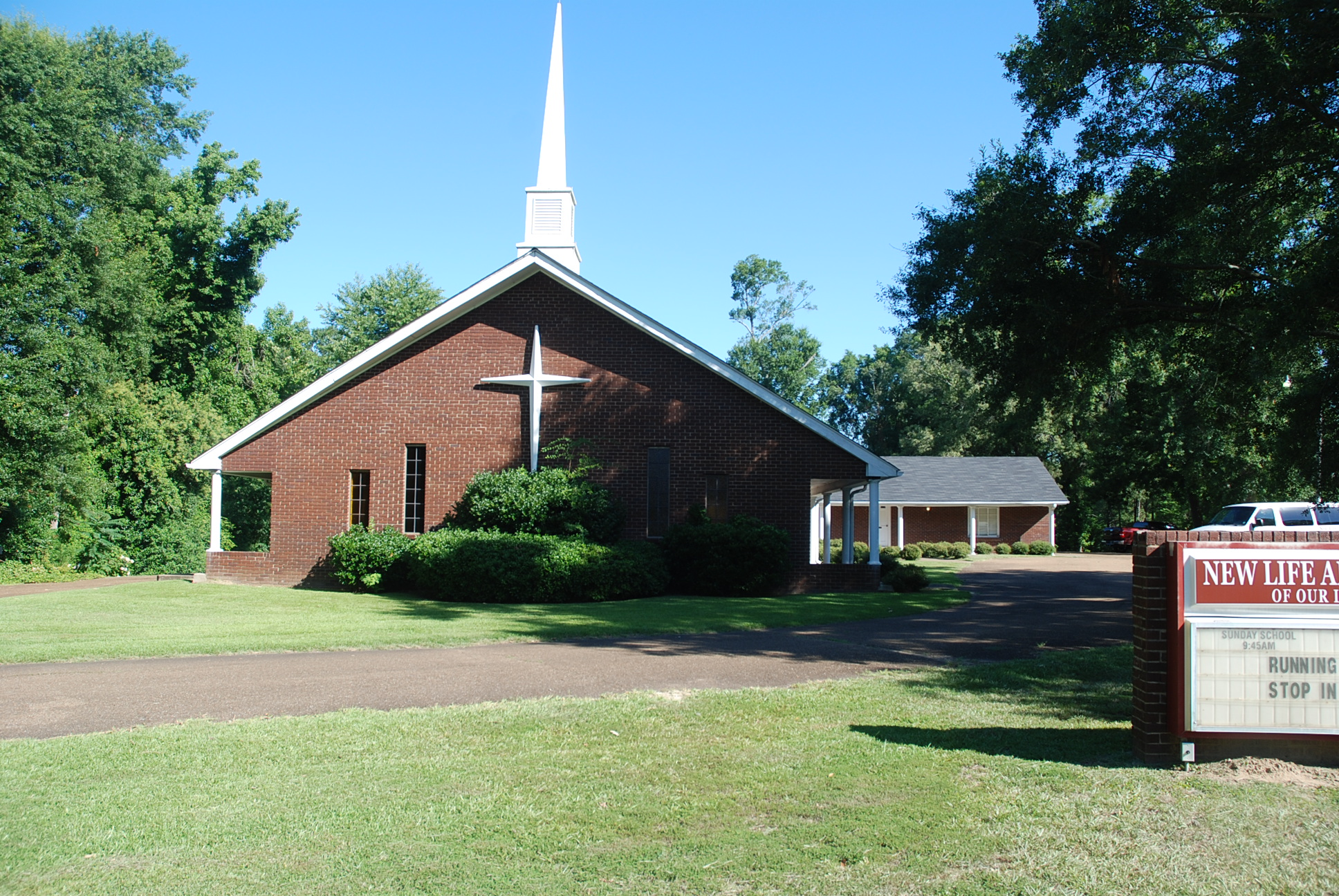 natchezchurch.JPG - 1314035 Bytes