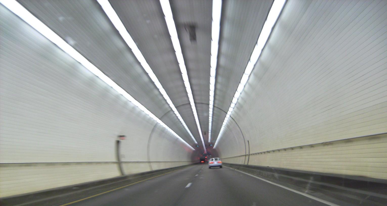 tunel_vision_002.JPG - 198104 Bytes